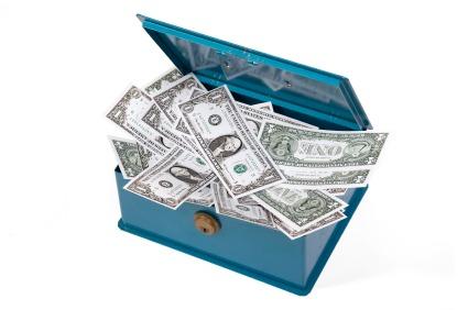 zero interest rates and hoarding cash