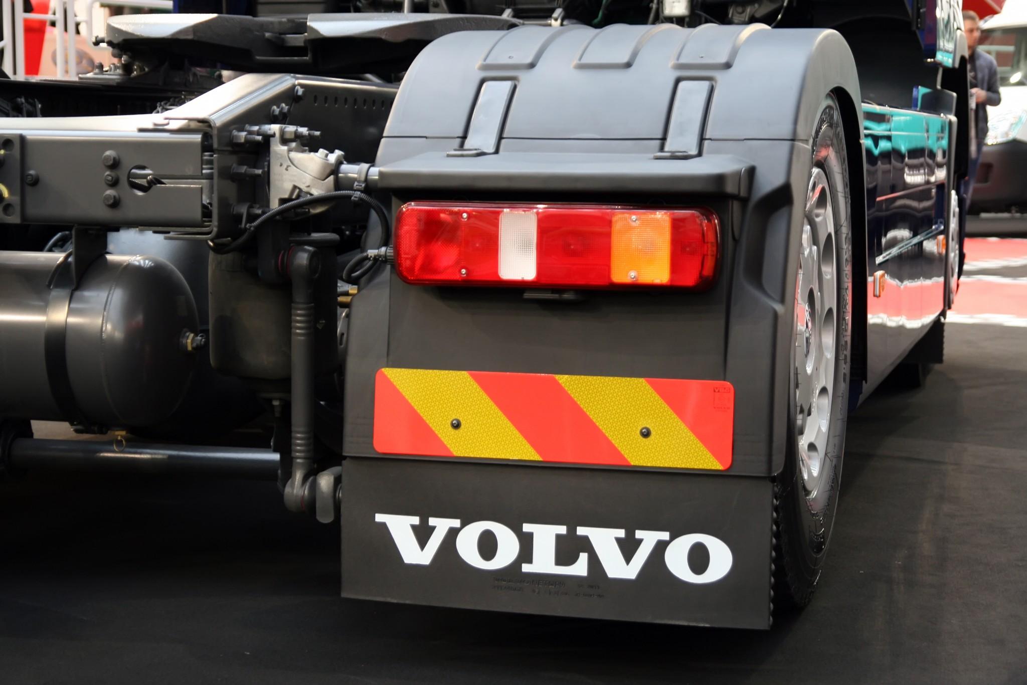 Beeps like backup warnings from trucks create noise pollution negative externalities.