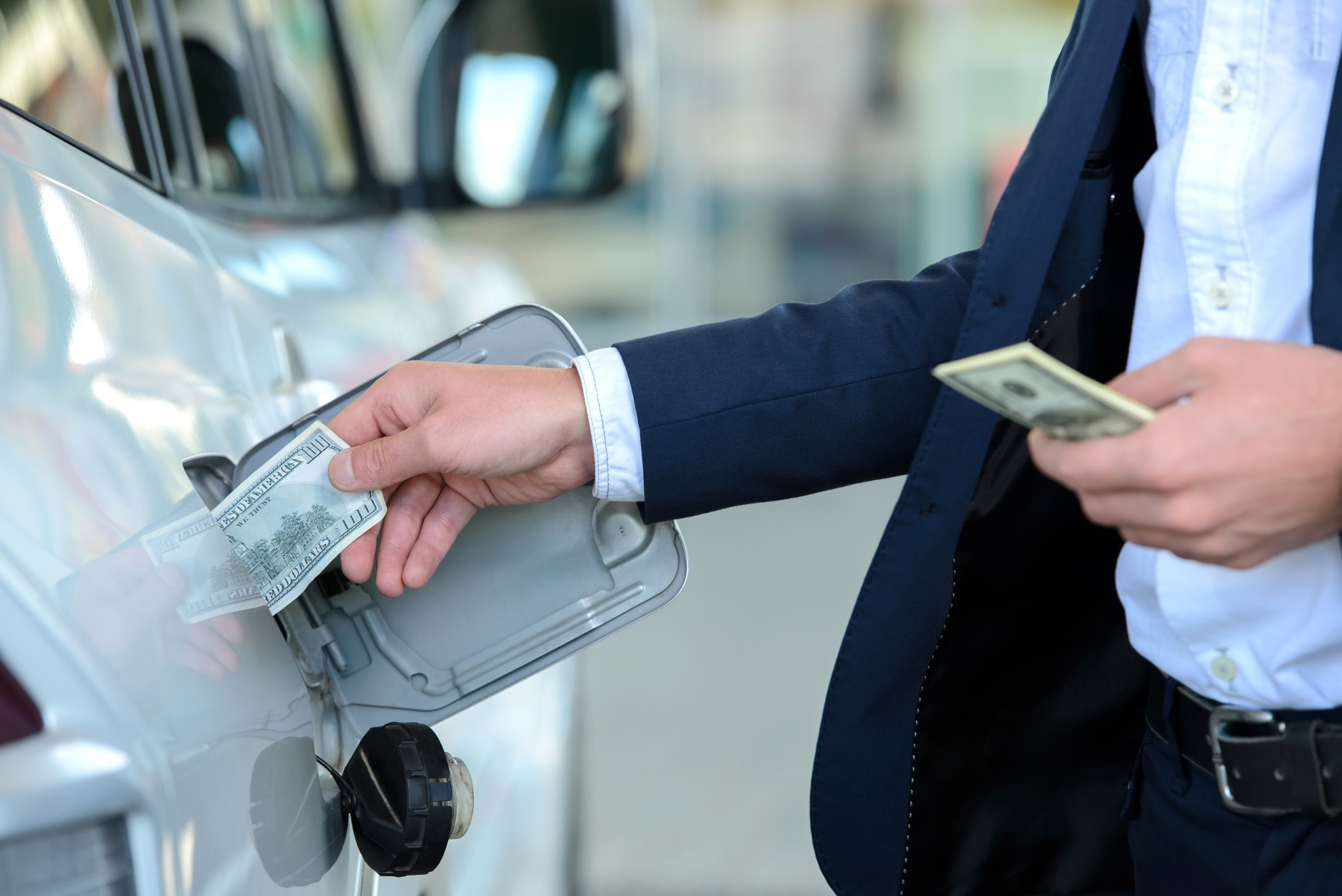 weekly economic news roundup and gasoline prices
