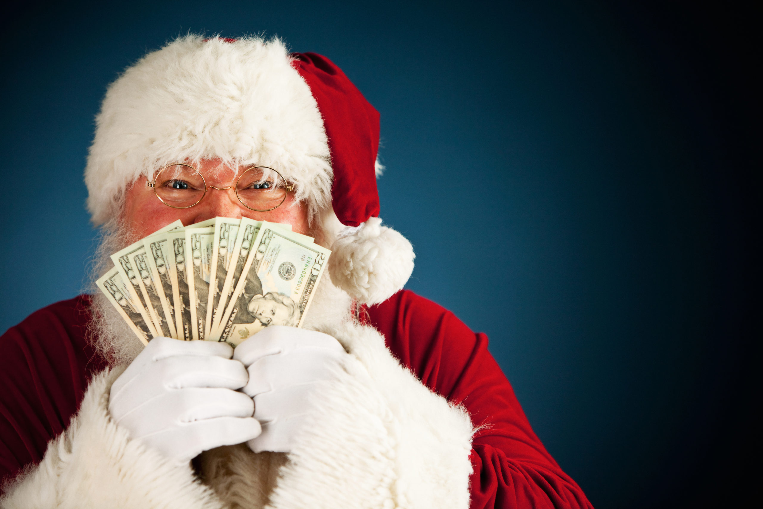 Weekly Economic News Roundup and Santa's wages