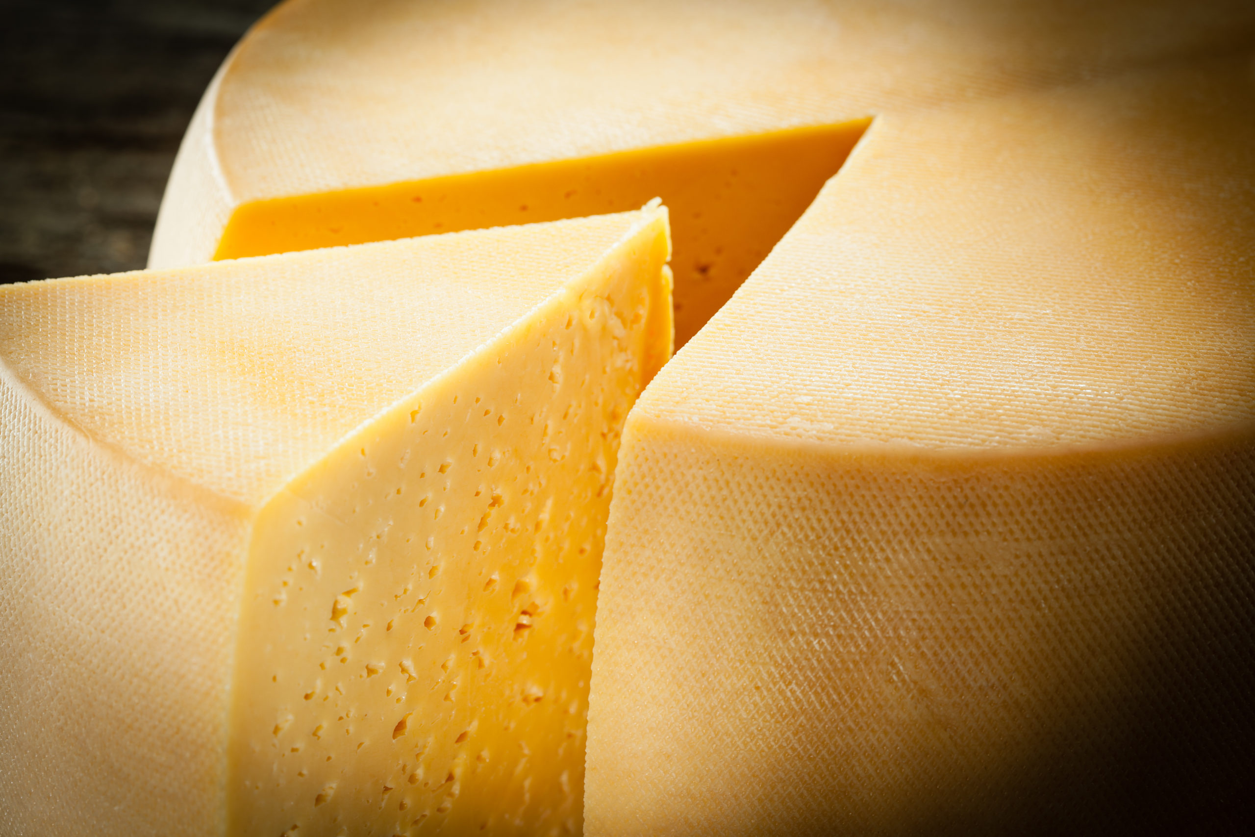 economic news roundup and Cheddar cheese prices