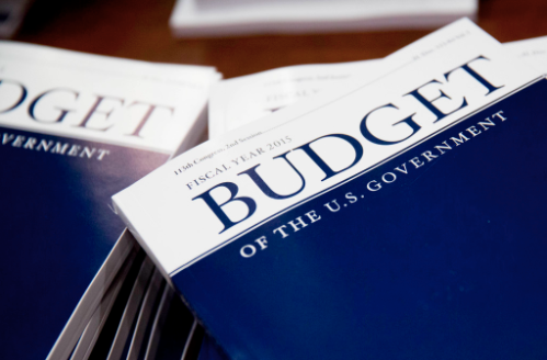 federal spending projections