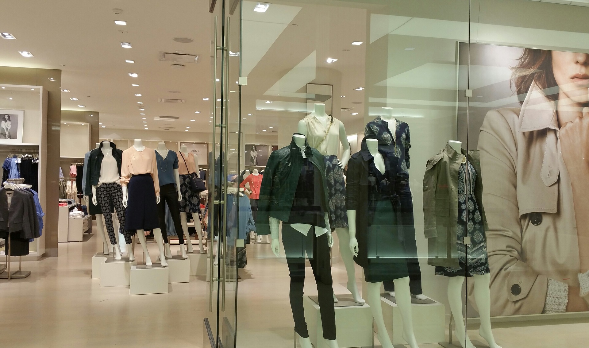 Weekly economic news roundup and standardized dress sizes