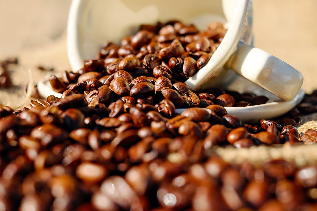 Weekly Economic News Roundup and coffee drinking