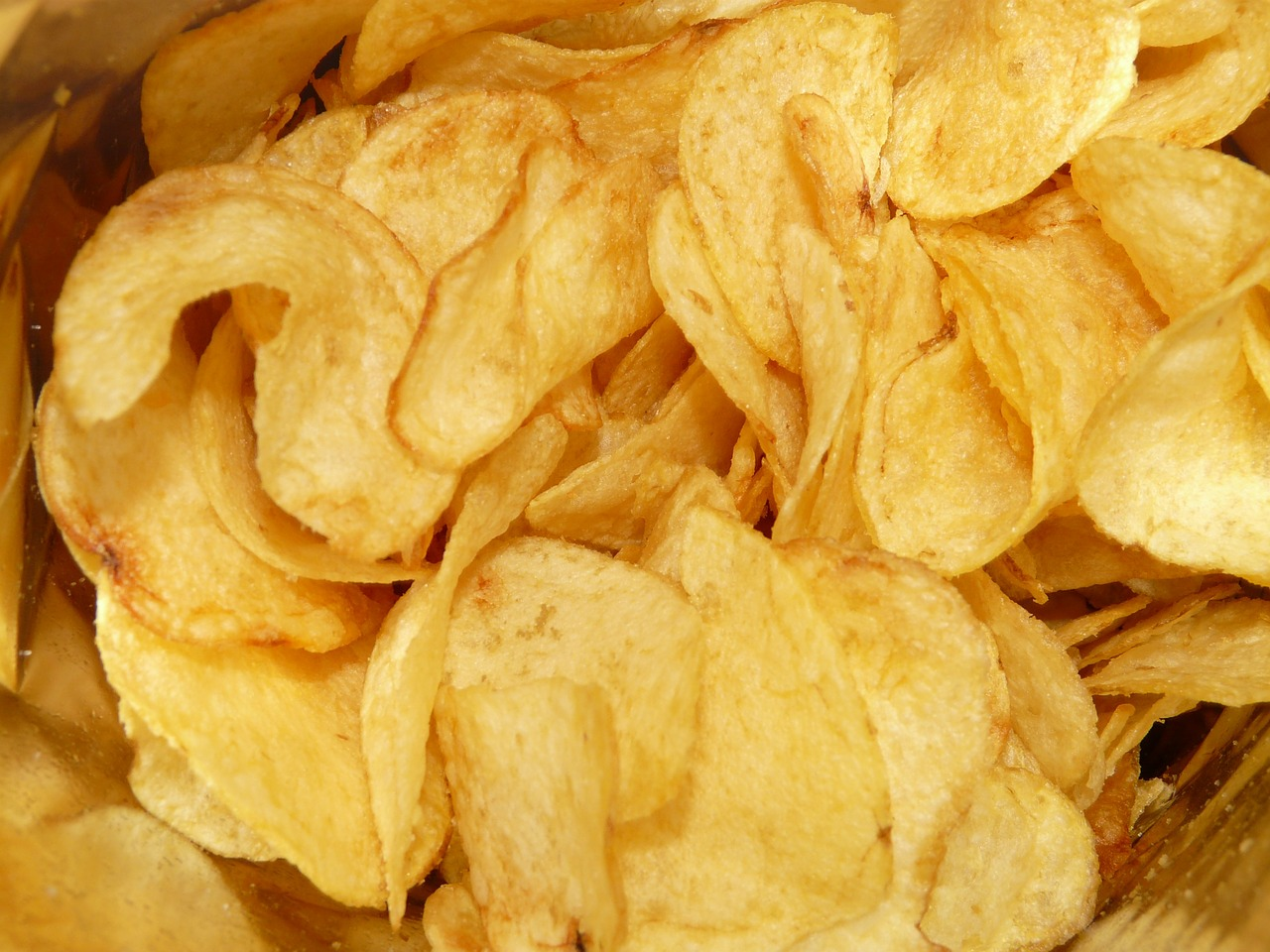 Weekly economic new roundup and misleading chips packaging