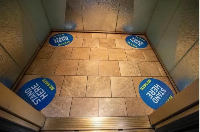 Etiqueta para elevador pandêmico - Econlife 12