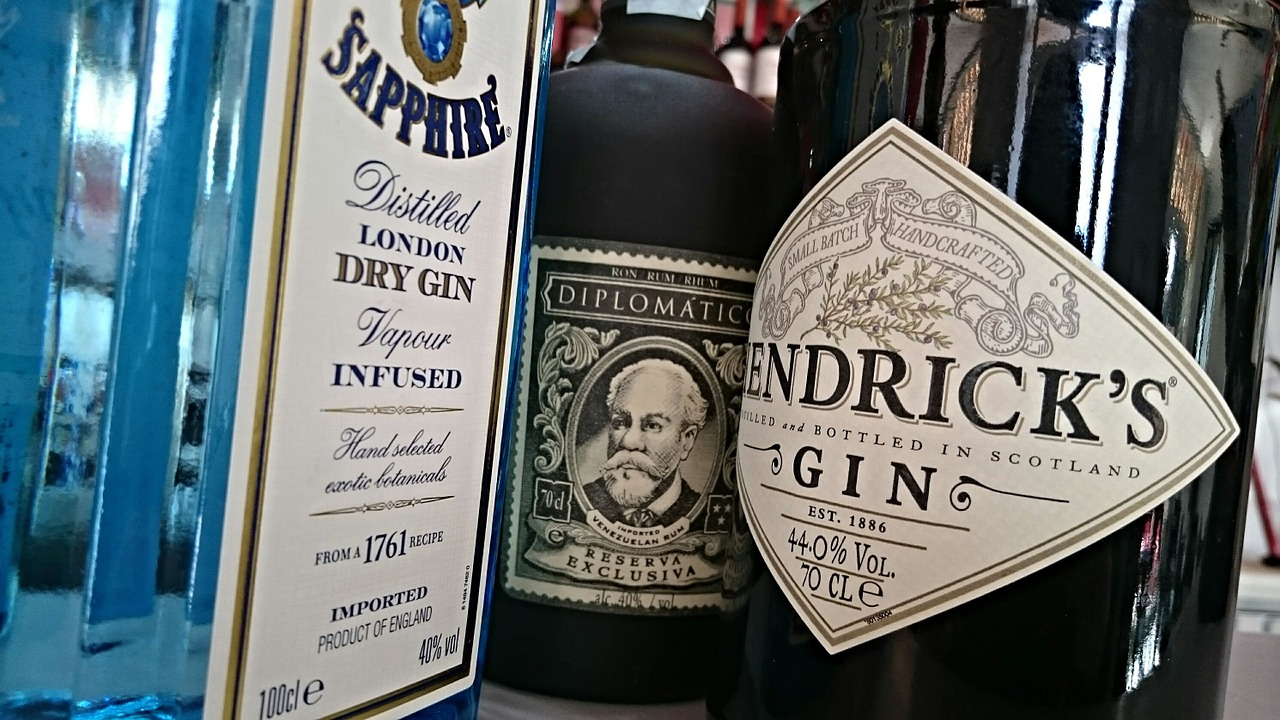 weekly economic news roundup and gin labels